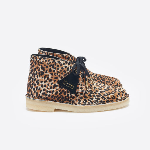 Clarks Originals Desert Boot in Leopard Pony