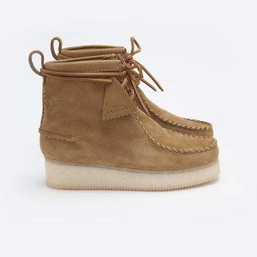 Clarks Originals Wallabee Craft Boot in Oak Nubuck