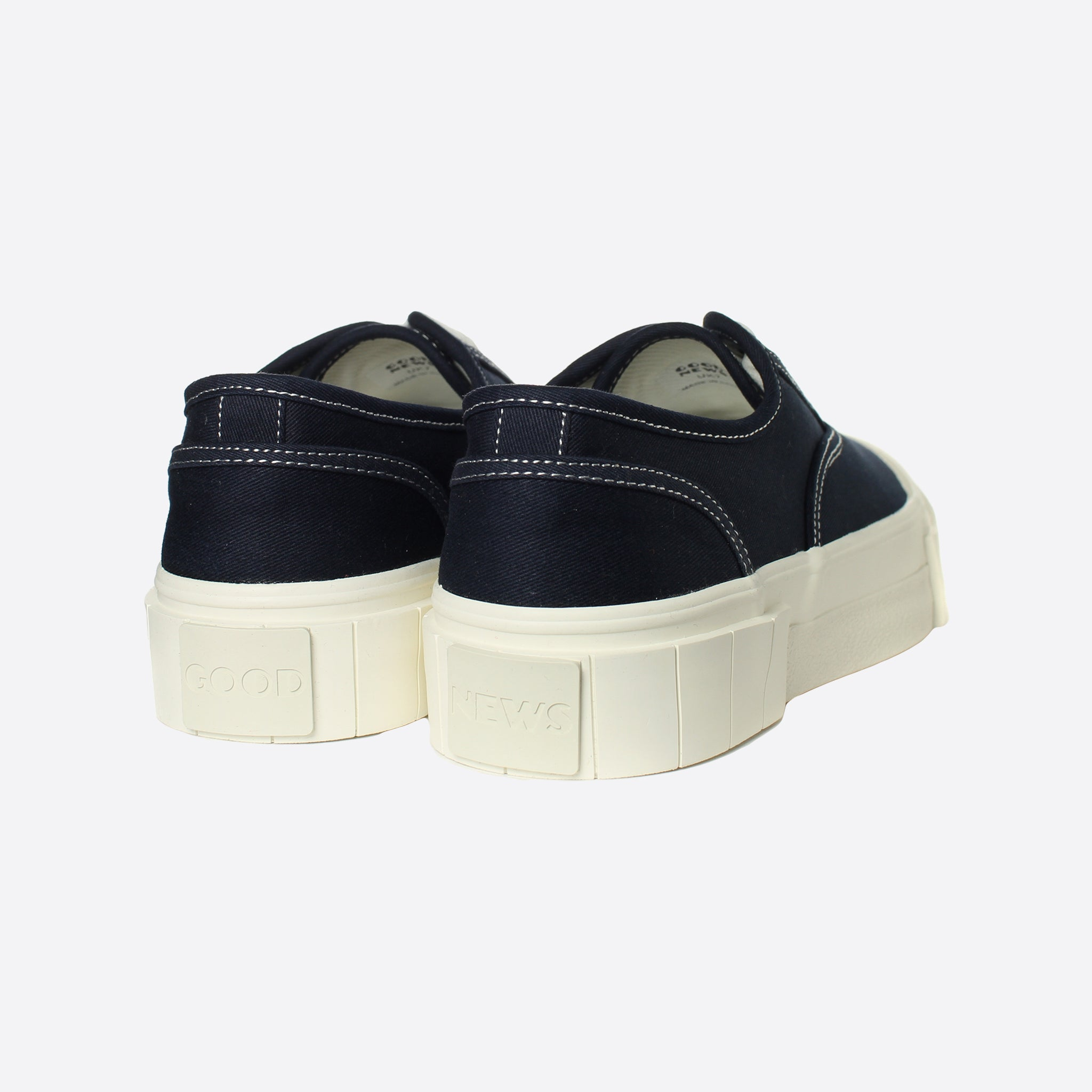 Good News Bagger 2 Low in Navy - FAULTY SIZE 9