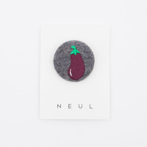 Neul Broach Aubergine Circle