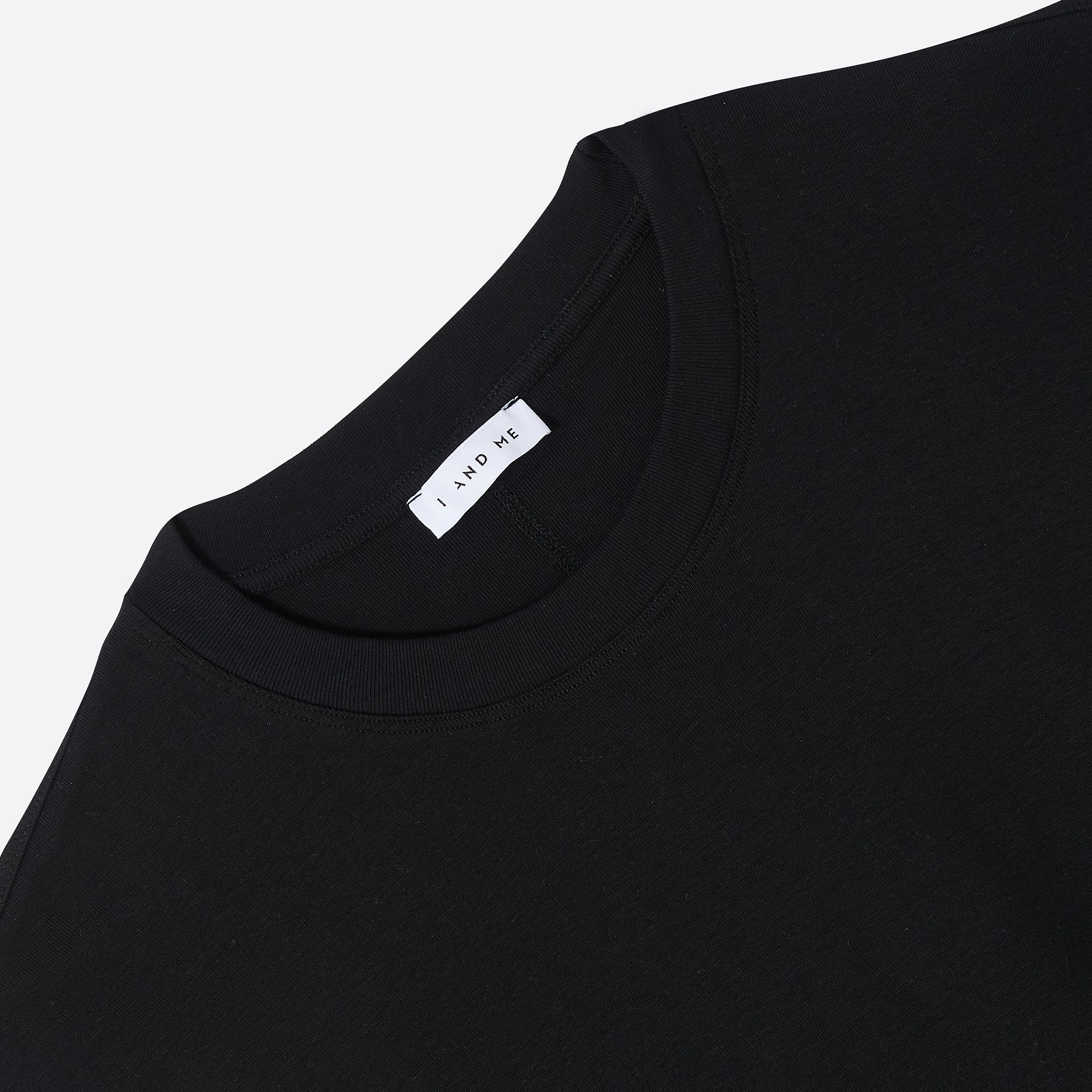 I AND ME Essential T in Black