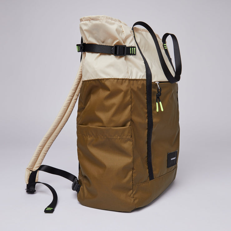 Sandqvist Roger Lightweight Backpack / Tote in Sand/Olive