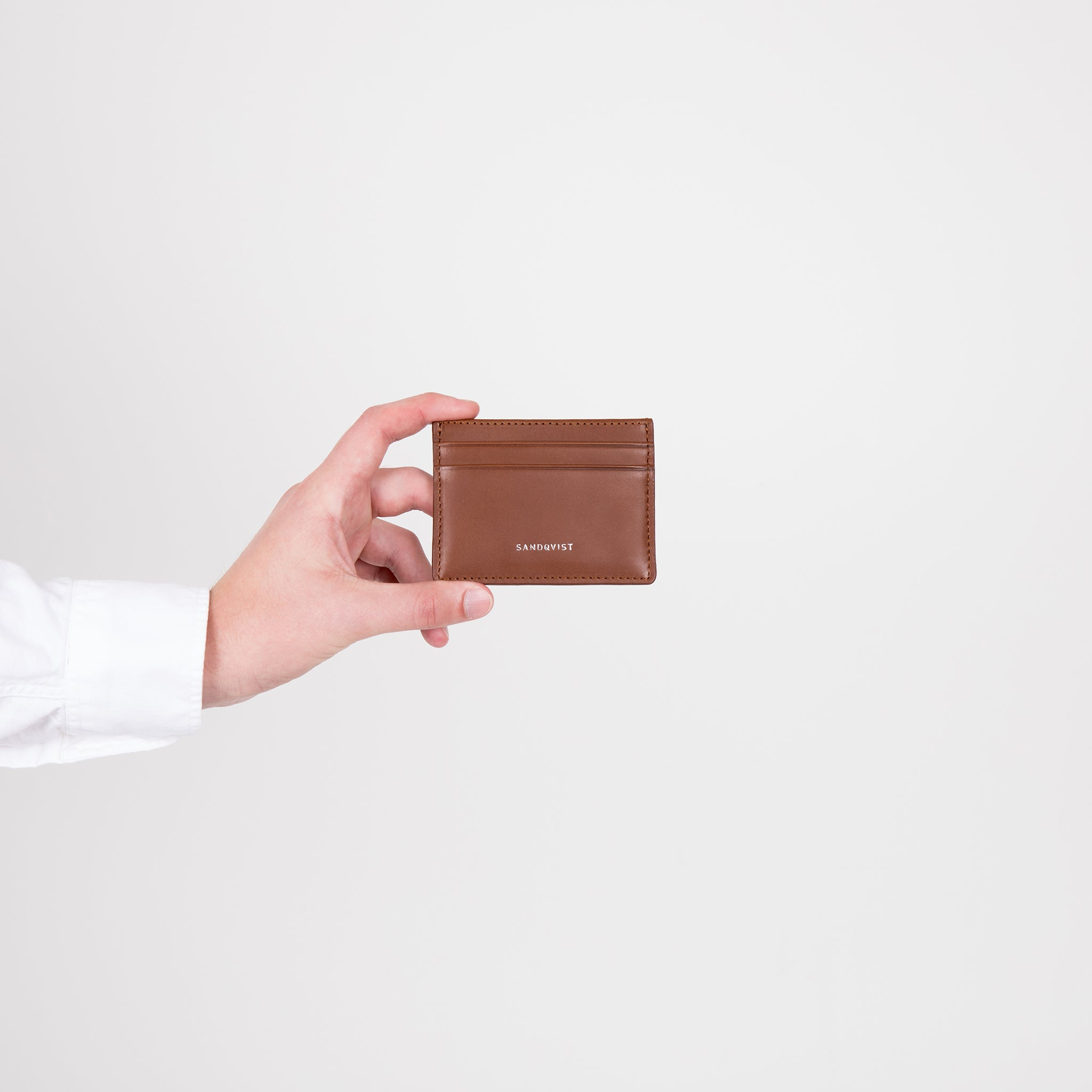 Sandqvist Fred Wallet in Cognac Brown