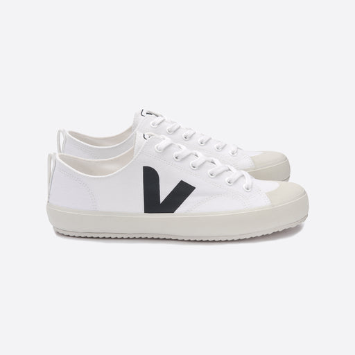 Veja Nova Canvas White / Black