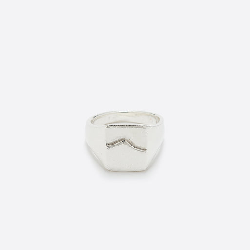 Wolf Circus Mountain Signet Ring in Silver