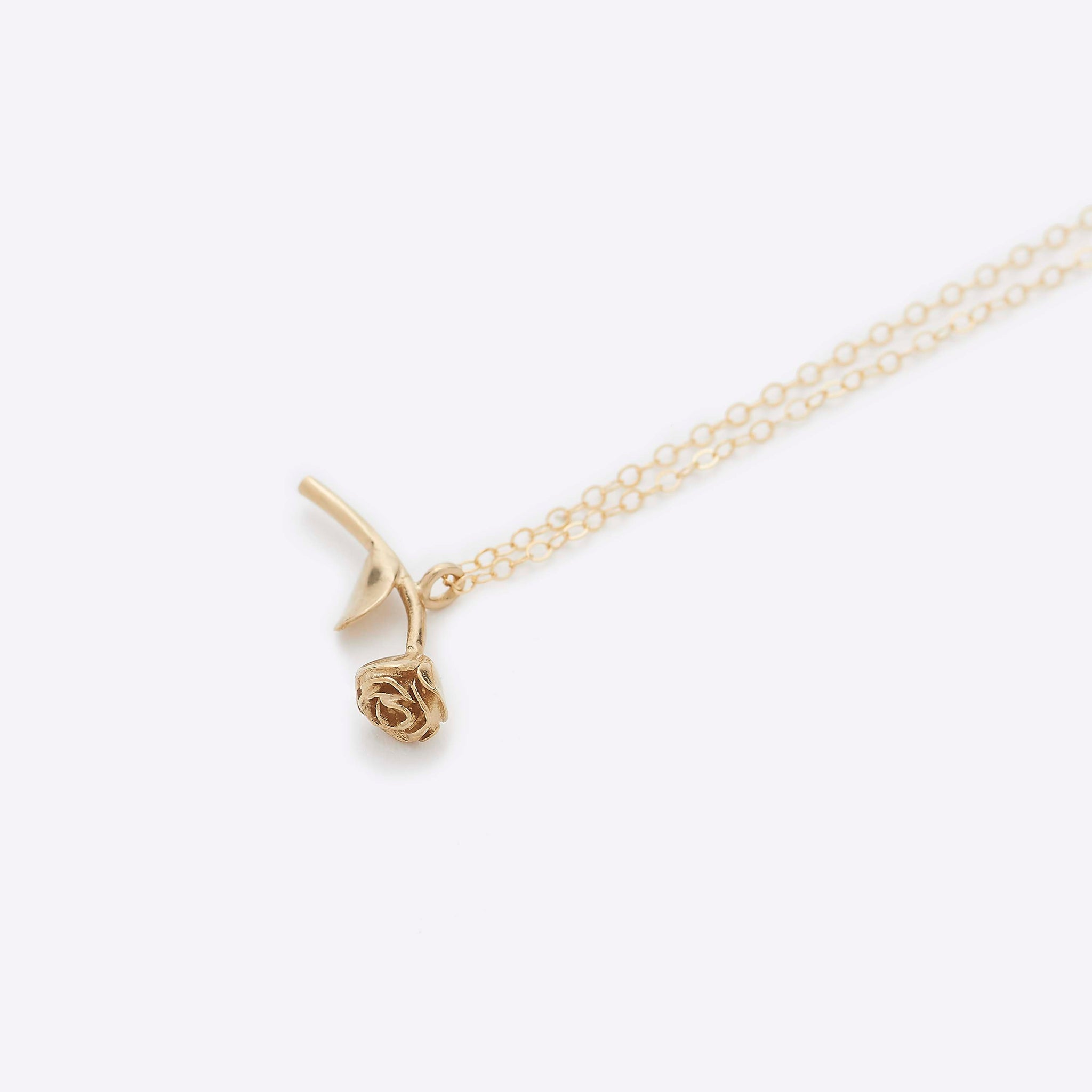 Wolf Circus Rose Pendant in Gold
