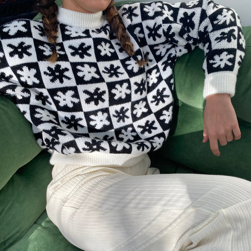 Lisa Says Gah Emma Sweater in Black Daisy Check