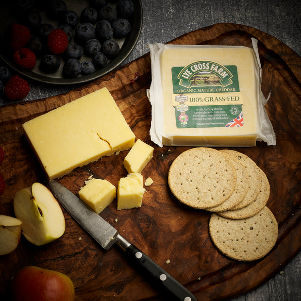 Lye Cross Farm - Organic Mature Cheddar - Pasture fed for Life certified (PFLA) - 200g