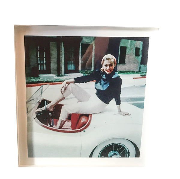 1 MARILYN MONROE CONVERTIBLE PHOTOGRAPH - FRAMED 15X15