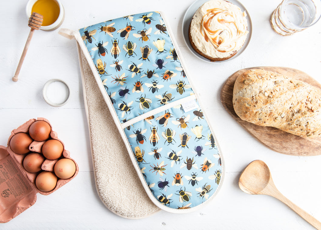 Bumble Bee Print Oven Gloves