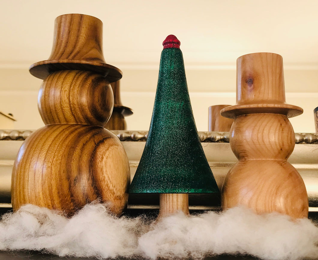 Wooden Snowmen with Tree Set - The Sidlaw Hare