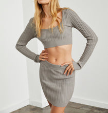 Load image into Gallery viewer, Cable Knit Long Sleeve Crop Sweater