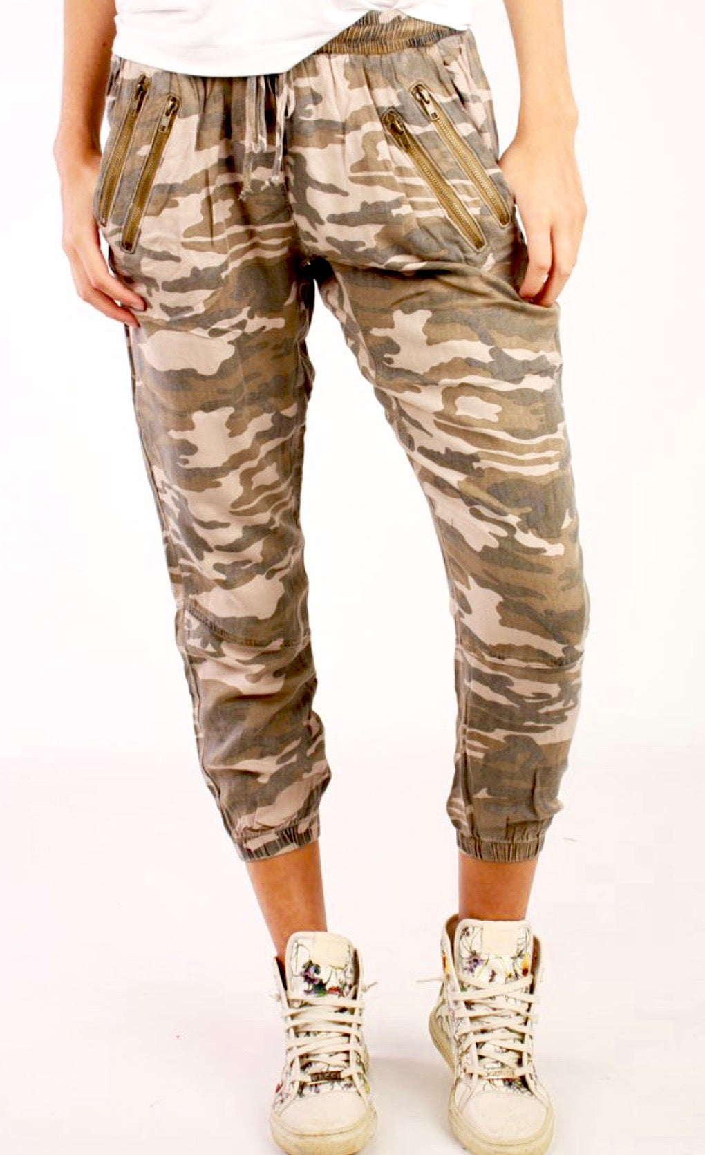 Camo Double Zipper Pocket Detail Joggers