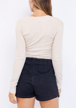 Load image into Gallery viewer, V Neck Ruch Center Long Sleeve Tie Knit Crop Top