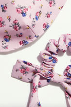 Load image into Gallery viewer, Floral Bow Scrunchie Mask Set