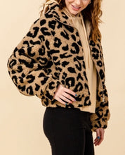 Load image into Gallery viewer, Leopard Kangaroo Pocket Zipper Teddy Coat