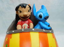 Laden Sie das Bild in den Galerie-Viewer, Disney Enesco Enchanting Space Adventure Lilo & Stitch Figur A28728