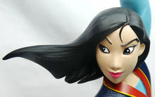 Laden Sie das Bild in den Galerie-Viewer, Disney Disneyland Paris Figur Mulan