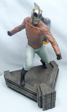 Laden Sie das Bild in den Galerie-Viewer, Rocketeer Premier Collection Statue Rocketeer 28 cm