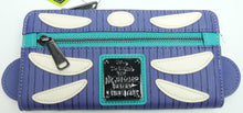 Laden Sie das Bild in den Galerie-Viewer, Disney Loungefly Portmonaie WDWA1013 Nightmare before Christmas Barrel