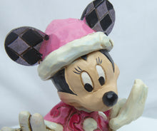 Laden Sie das Bild in den Galerie-Viewer, Disney Enesco Traditions Jim Shore Weihnachten 6002843 Minnie Mouse Festive Fashionista