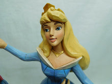 Laden Sie das Bild in den Galerie-Viewer, Disney Enesco Traditions Jim Shore Aurora & Prinz ein Tanz Swept up the moment 4059733