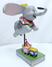 Laden Sie das Bild in den Galerie-Viewer, Disney Enesco Traditions Jim Shore Dumbo 4010028 Faith in Flight