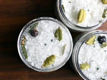 Cardamom Spruce Bath Salts - Mini Jar