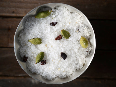 Cardamom Burnt Sugar Bath Salts