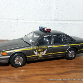 1/24th scale Ohio State Highway Patrol 1996 Ford Crown Victoria model