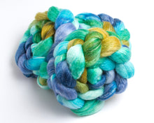 Load image into Gallery viewer, Merino Wool/ Bamboo/ Silk Roving (4oz)