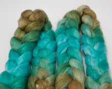 Load image into Gallery viewer, Merino Wool/ Silk Roving (4oz)
