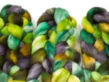 Load image into Gallery viewer, Polwarth Wool (4oz) | Combed Top / Roving for Spinning and Felting