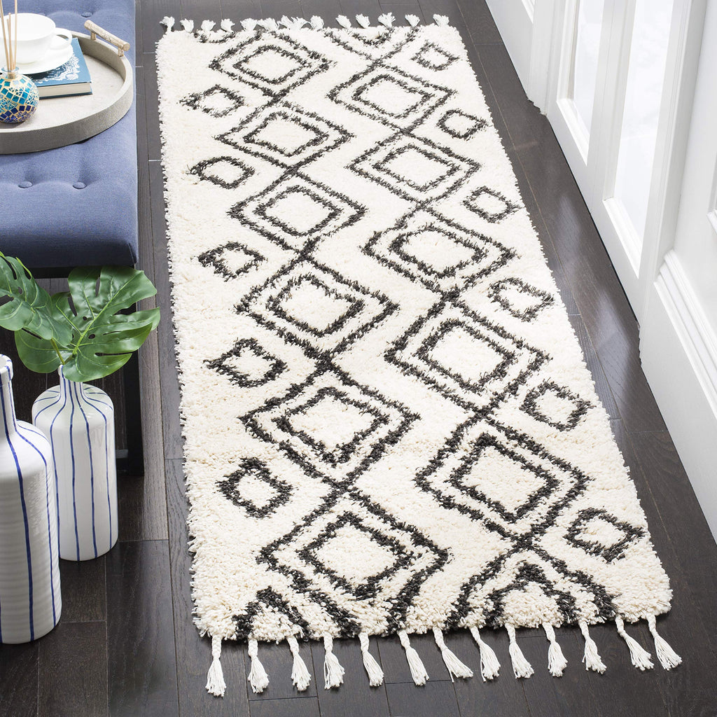 "Safavieh MFG247B Cream and Charcoal Runner Rug, 2'3"" x 7'"