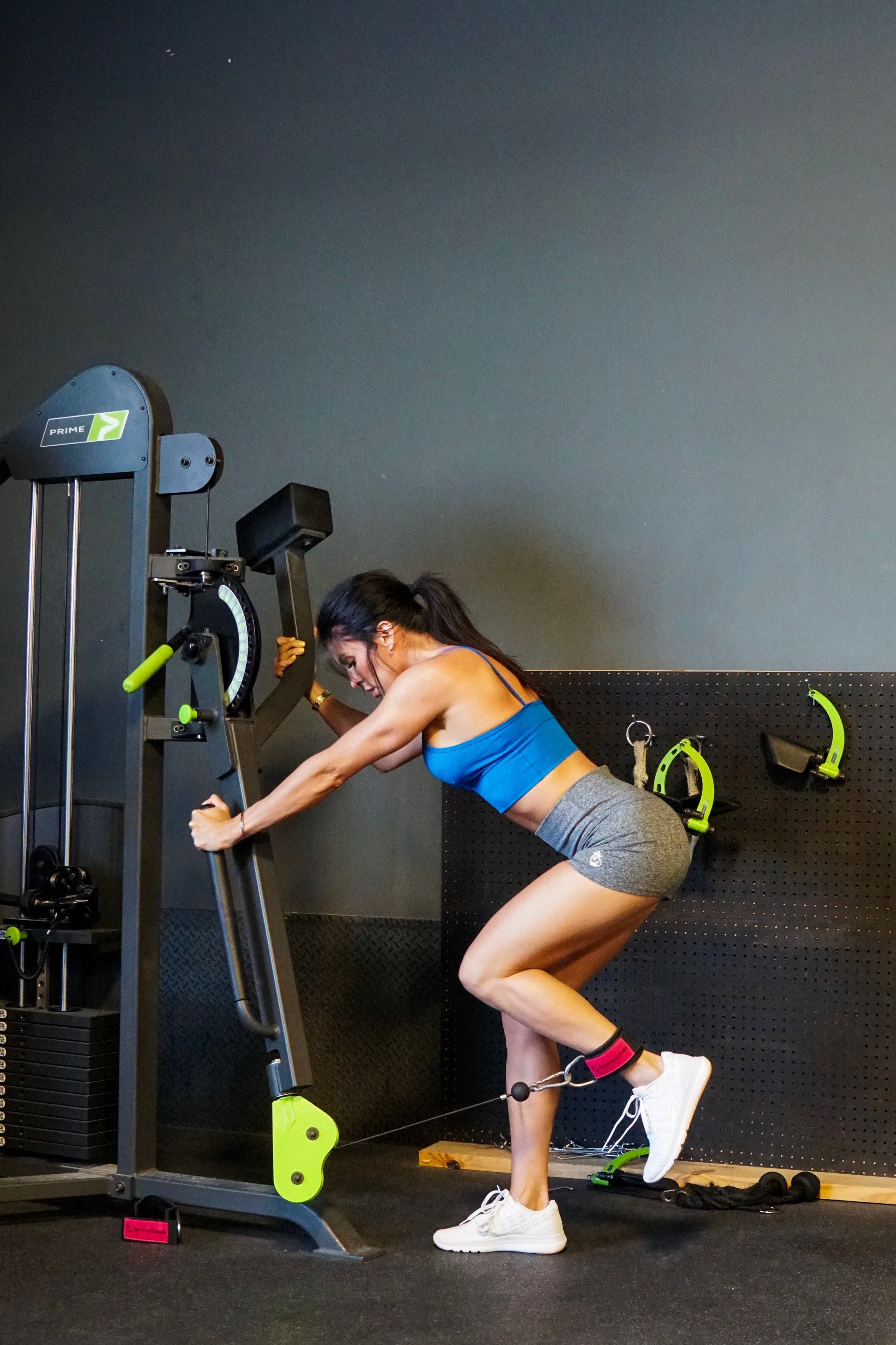 Hotel Workouts for on-the-go girls! | Cable Kickbacks