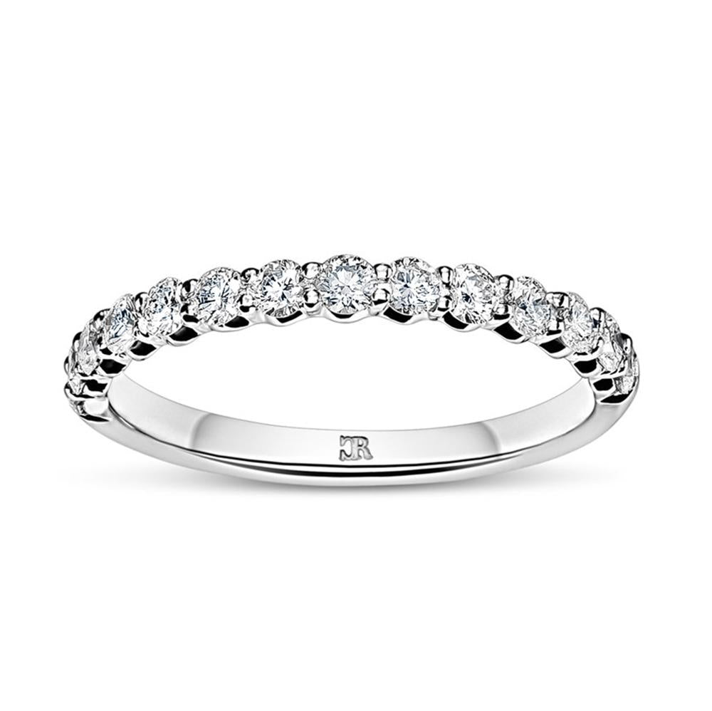 Shared Claw Round Brilliant Diamond Wedder