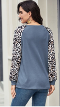 Load image into Gallery viewer, Leopard Sleeve Top