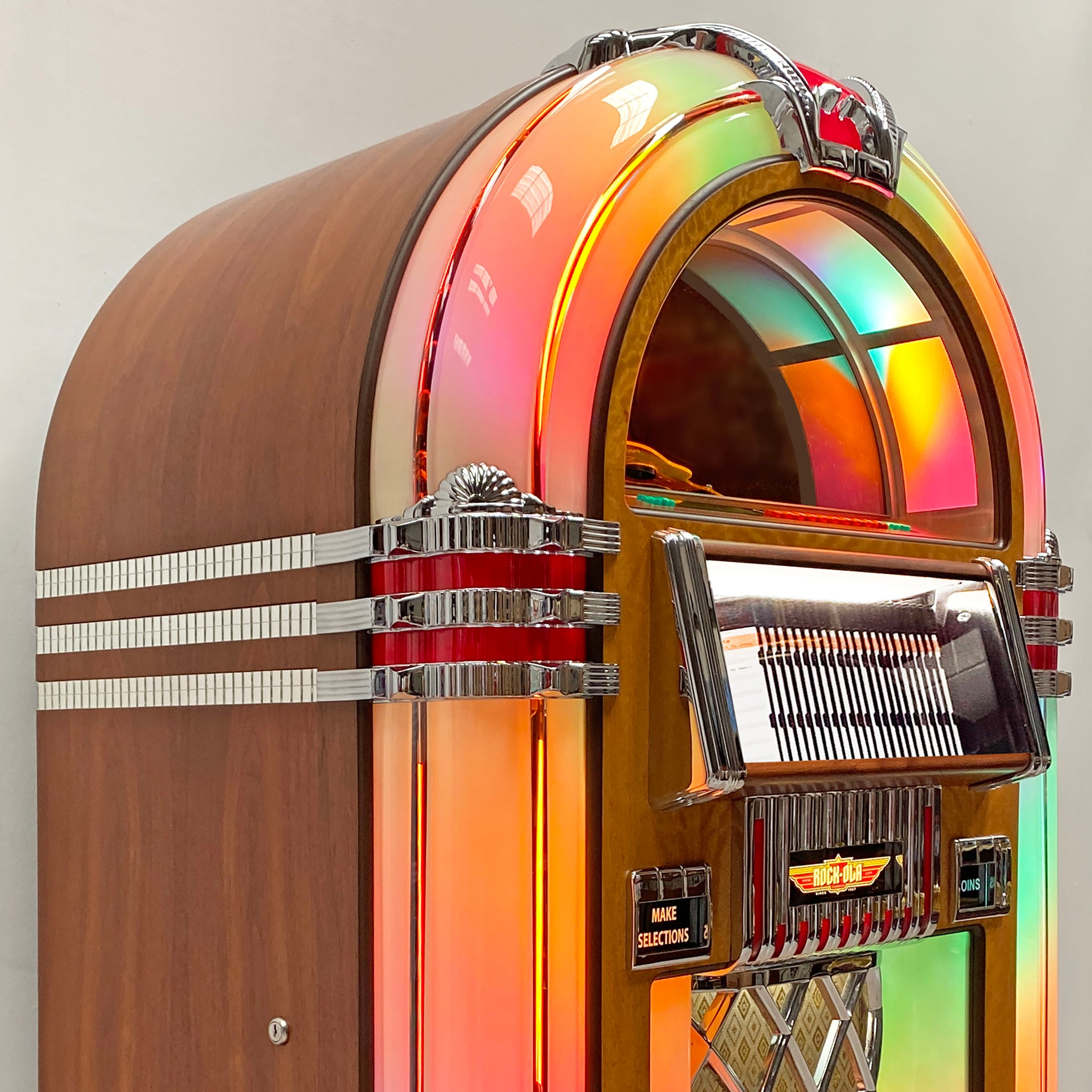 Rock-Ola Bubbler CD Jukebox in Walnut