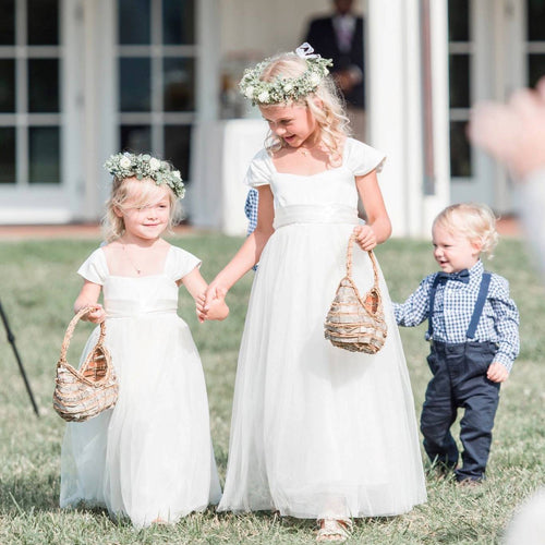 Annabelle dress Ana Balahan Flower girls walking with baskets