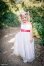 Load image into Gallery viewer, Little girl in off-white color dress with flower whreat Ana Balahan