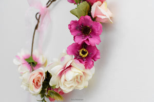 Romantic wedding flower crown closwer view