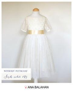 Flower girl dress without an underskirt petticoat