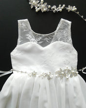 Load image into Gallery viewer, Roselle off white lace teen flower girl dress front view Ana Balahan