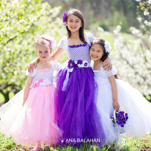 Three girls in extraordinary Ana Balahan tutu dresses