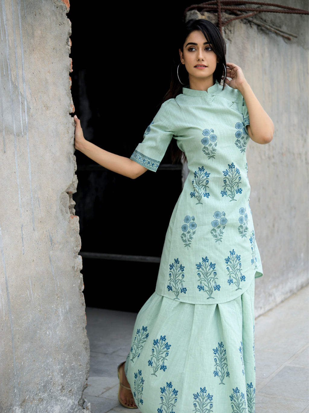 Japanese Style Kurta Set With Long Skirt