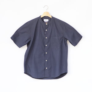 LOOSE FIT BAND COLLAR S/S SHT