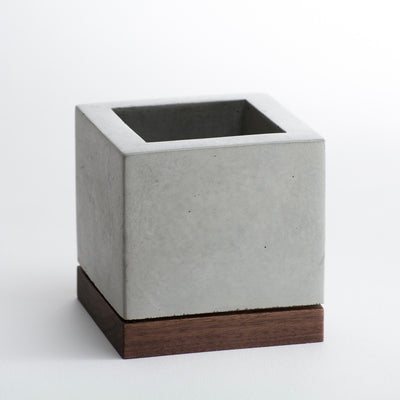 KOMOLAB Concrete and Wood Planter Front