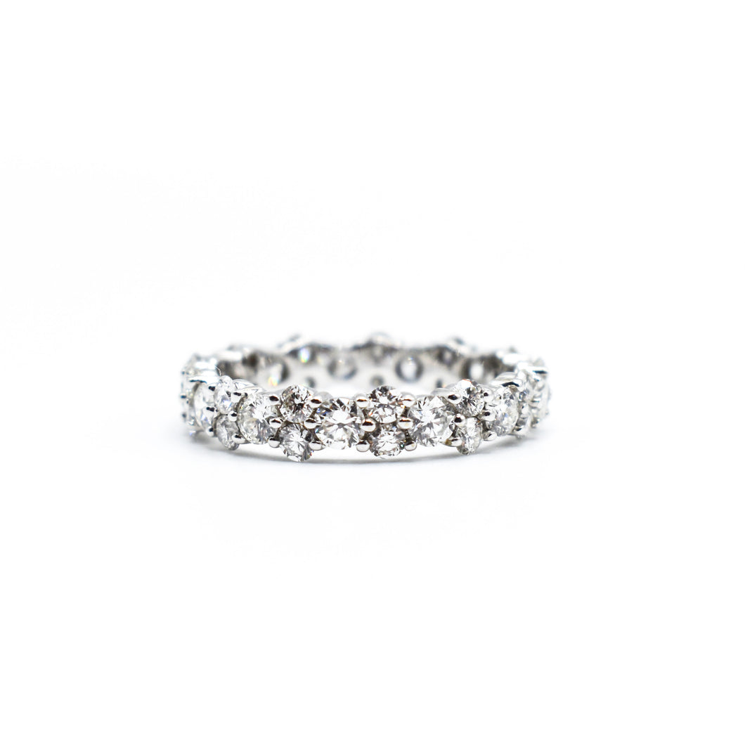 18K Gold Eternity Band with 2.50ct of Round Diamonds