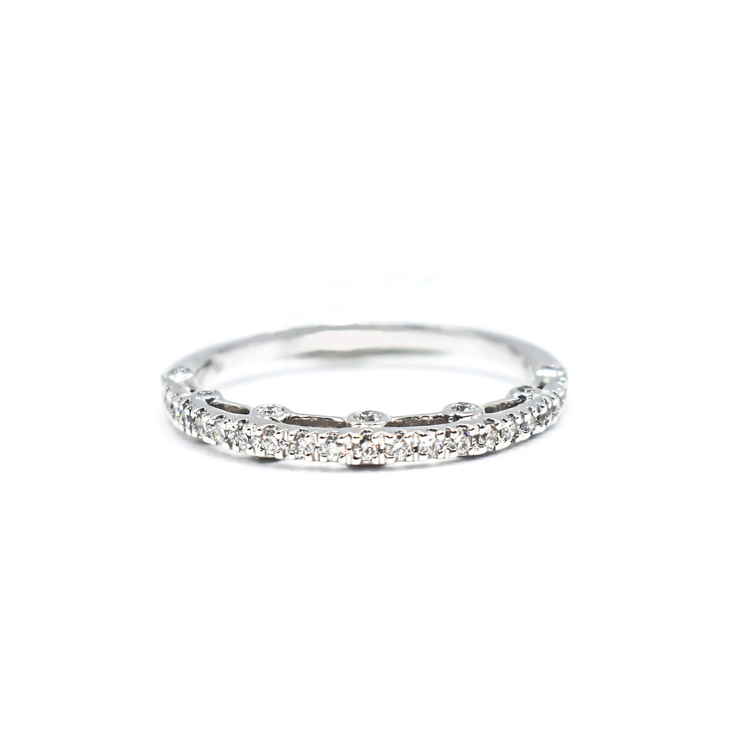 14K Gold Women's Wedding Band with 0.32ct of Diamonds