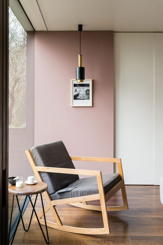 Farrow and Ball, Sulking Room Pink 295